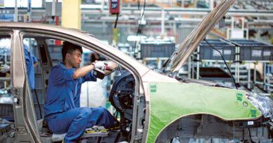 china's-factory-activity-growth-slows-on-supply-bottlenecks,-soft-demand