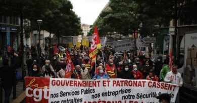 scuffles,-arrests-in-paris-as-thousands-mark-may-day