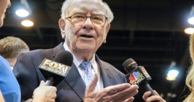 warren-buffett-warns-investors-not-to-gamble-on-stocks