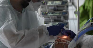 france's-covid-19-cases-slow-but-hospitalisations-creep-up
