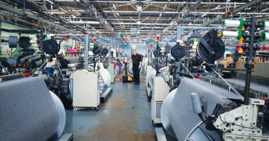 uk-factory-activity-expands-at-fastest-rate-since-1994