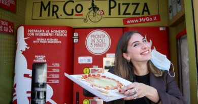fresh-pizza-vending-machine-prompts-horror-in-rome