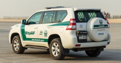 dubai-police-rescues-man-who-tried-to-kill-himself-by-slashing-his-wrist-and-trying-to-jump-off-the-roof-of-his-building