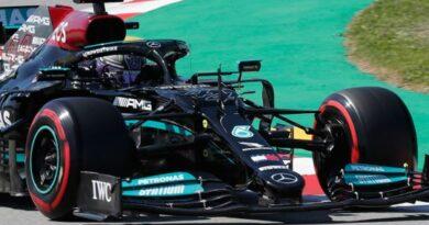 formula-one:-lewis-hamilton-claims-100th-pole-position-at-spanish-grand-prix